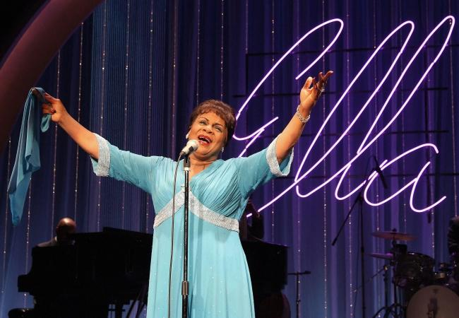 <strong>Ella Sings The Cole Porter Songbook featuring Tina Fabrique</strong>